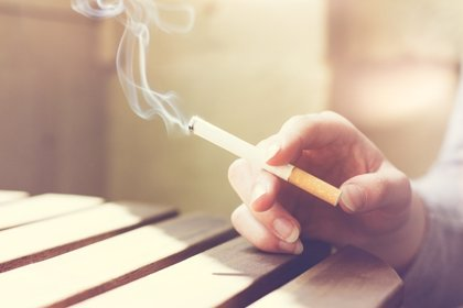 ¿Las cajetillas de tabaco deben llevar fecha de caducidad?
