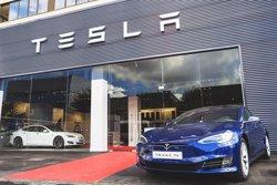 Tesla obre en l'Hospitalet (Barcelona) la seva primera botiga física a Espanya (TESLA)