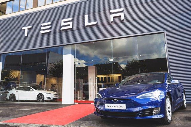 Tienda de Tesla en L'Hospitalet de Llobregat (Barcelona)