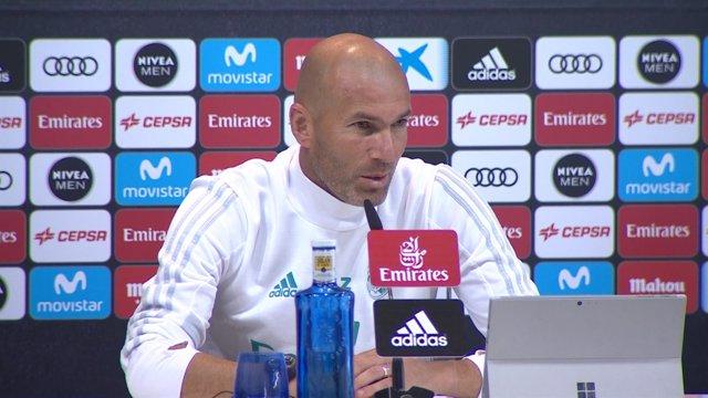 """Zidane: """"No veo una Liga española sin el FC Barcelona"""""""