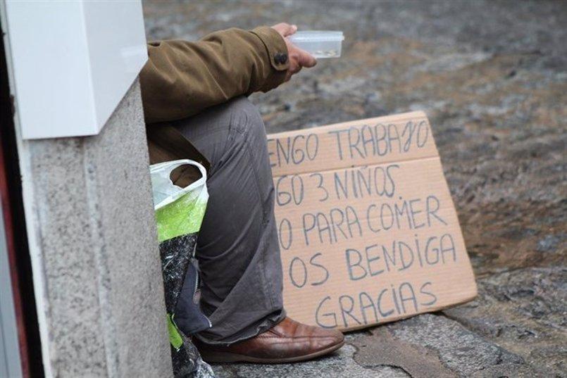 'Mucho más que comer': Casa Caridad lanza una campaña para alertar de la soledad de las personas sin hogar