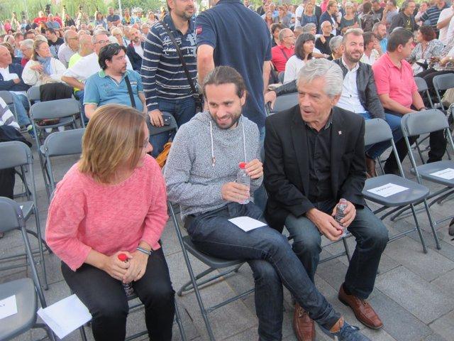 Los Diputados De Jxsí T.Vallverdú, G.G.Moral Y E.Reyes