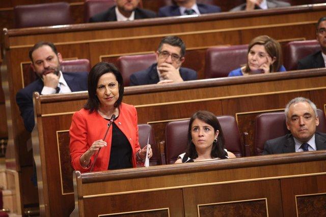 Margarita Robles se estrena como portavoz del PSOE en el Congreso