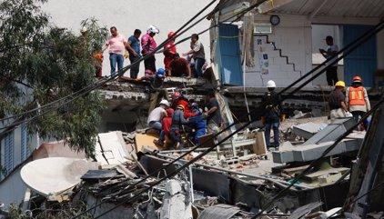 Ascienden a más de un centenar los muertos por el terremoto en México