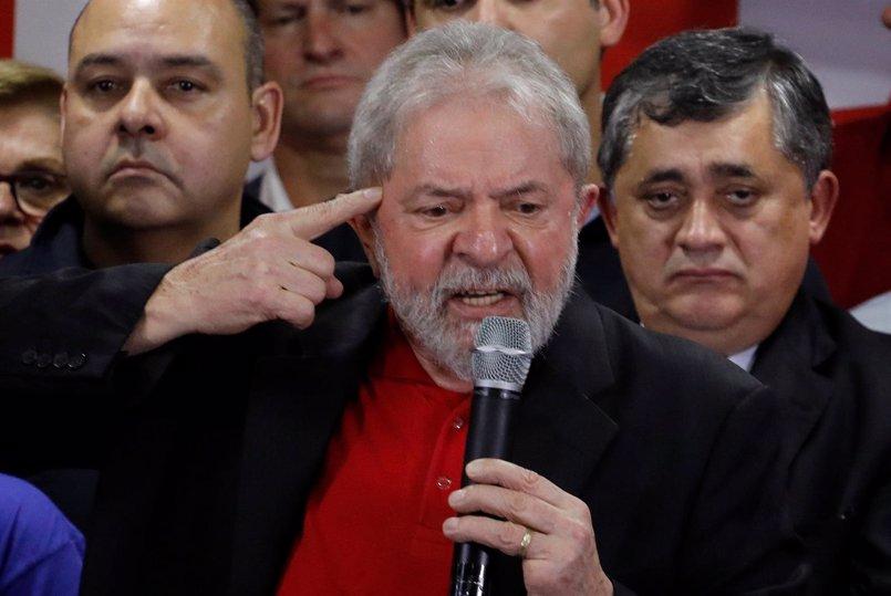 Un juez de Brasil imputa a Lula da Silva por corrupción pasiva por supuestamente aceptar sobornos