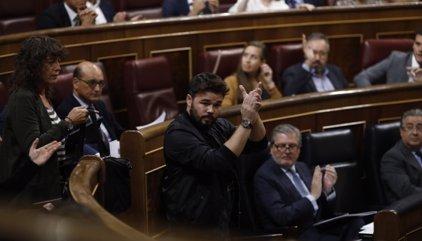"""Rufián a Rajoy antes de abandonar el Congreso: """"Saque sus sucias manos de Cataluña"""""""
