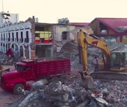 Moren vuit nens i onze queden atrapats per l'ensorrament de la seva escola a causa del terratrèmol a Mèxic (TWITTER)