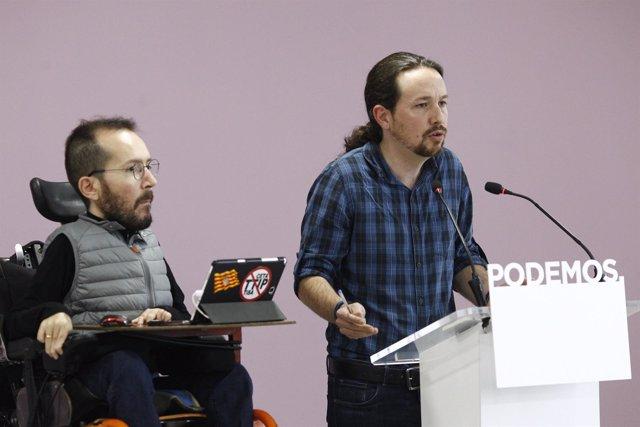 Pablo Iglesias y Pablo Echenique en rueda de prensa
