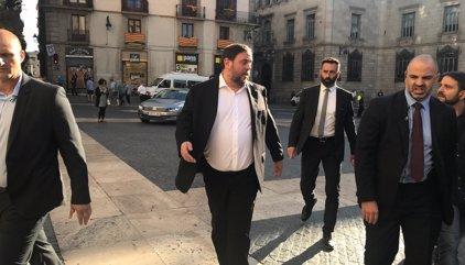 1-O.- Puigdemont llega a la Generalitat para presidir el Consell Executiu extraordinario