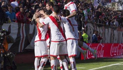 El Ayuntamiento multa a la Comunidad por no acometer los trabajos de reparación del estadio del Rayo Vallecano