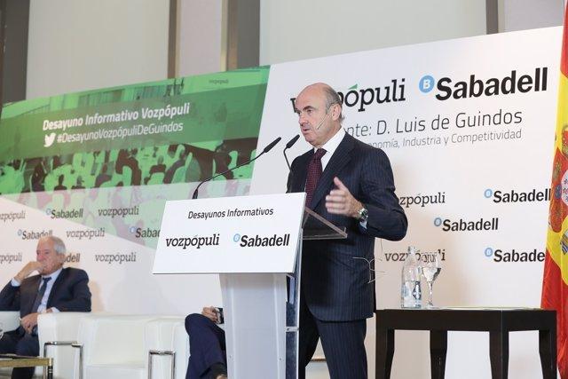 Ministro de Economía, Luis de Guindos, en un desayuno informativo de Voz Pópuli
