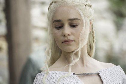 Juego de Tronos: Emilia Clarke se tiñe de rubio Targaryen para el final de la serie