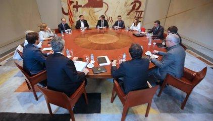 """Puigdemont: l'Estat suspèn l'autogovern i aplica l'estat d'excepció """"de facto"""""""