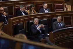 L'Estat defensa la Justícia i acusa l'independentisme de cercar en el carrer una