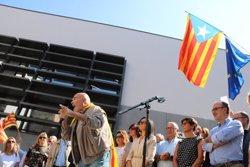 Més de 300 persones es concentren a Tortosa davant la delegació del Govern a les Terres de l'Ebre (ACN)