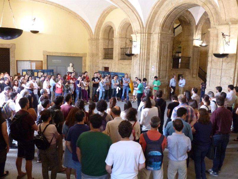 Docentes en precario de la Hispalense desconvocan la huelga para profundizar en la modificación normativa de la LAU