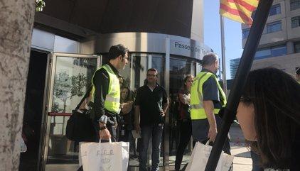 """Oficiales de la Guardia Civil critican que los Mossos estén """"coartados por la politización de sus mandos"""""""
