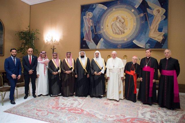 Reunión del Papa con el secretario de la Liga Mundial Islámica