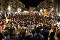 Milers de persones es manifesten a Tarragona al crit de 'Votarem' i 'Ballesteros dimissió' (ACN)
