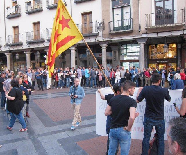Concentración en Valladolid a favor del Derecho a decidir