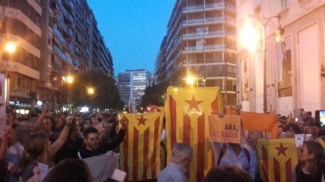 Mnaifestación en València en repulsa a las detenciones en Cataluña por el 1-O