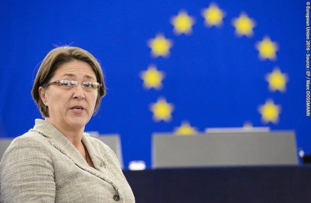 Violeta Bulc, comisaria de Transportes da UE