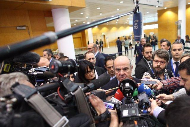 Luis de Guindos inaugura el I Congreso de Industria Conectada 4.0