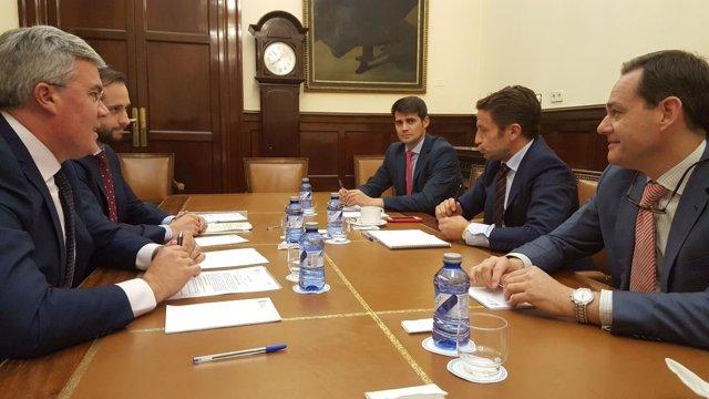 Encuentro entre Faconauto y el secretario de Estado de Hacienda