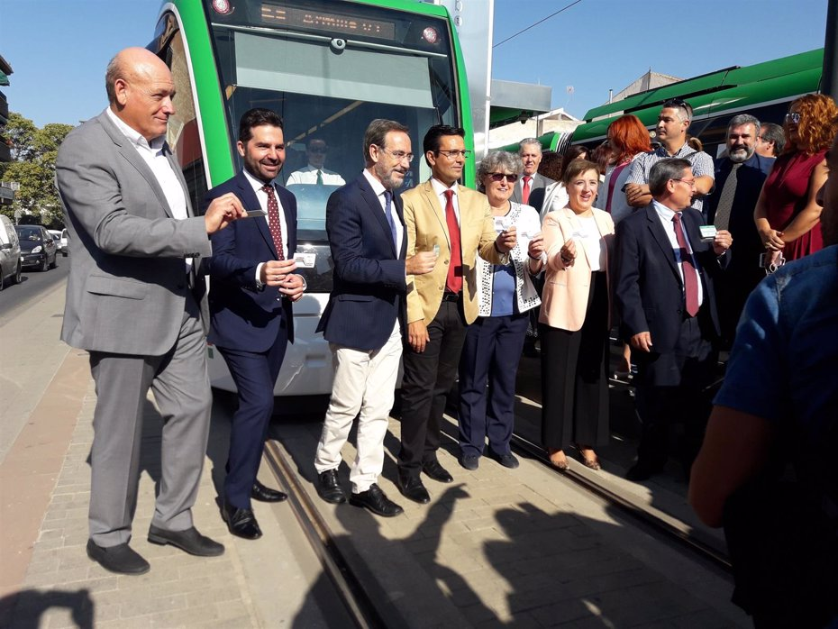 """Foto: El metro de Granada abre sus puertas a los ciudadanos para """"revolucionar"""" la movilidad (EUROPA PRESS)"""