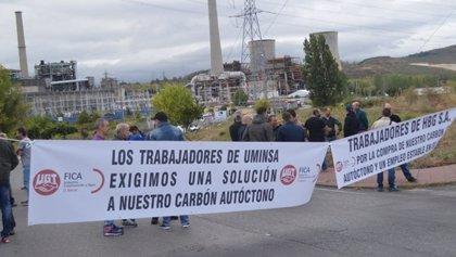 UGT Fica y trabajadores de Uminsa y HGB se concentran para defender la venta de carbón nacional a las térmicas