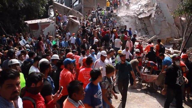 Al menos 216 muertos por el terremoto en México