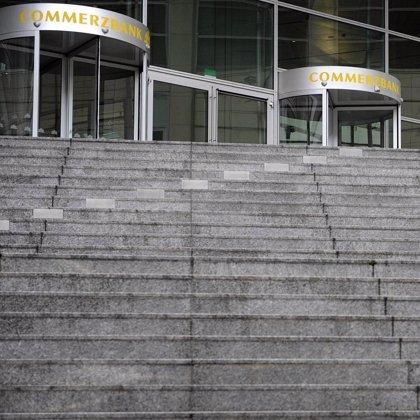 Commerzbank sube un 3,46% en bolsa ante los rumores de compra por parte de UniCredit