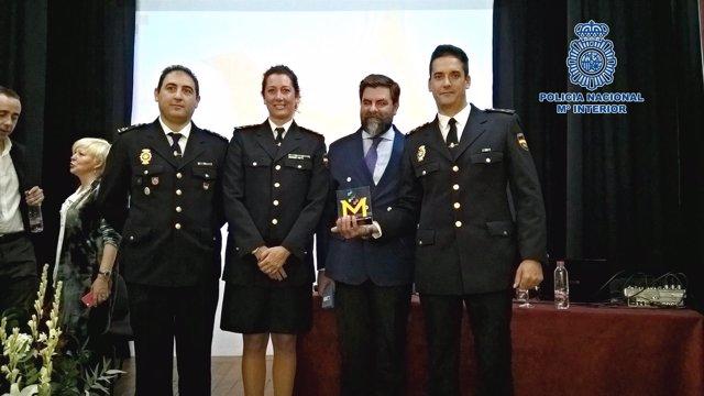 Polic a nacional recibe en jerez c diz el premio a la - Policia nacional cadiz ...