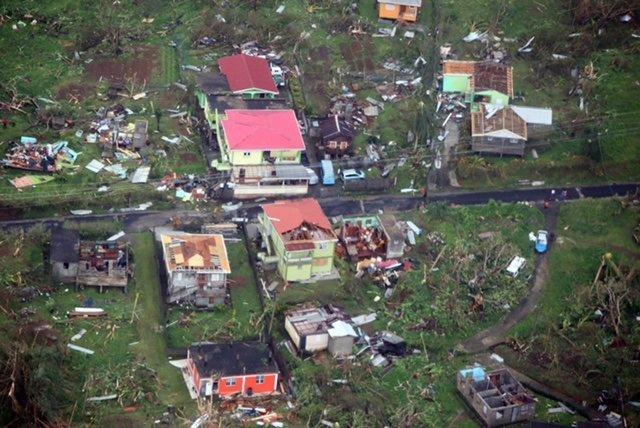 Casas destruidas por el huracán 'María' en Dominica
