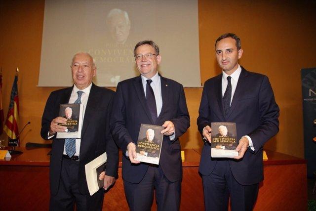García Margallo presenta su libro en Alicante, junto a Ximo Puig y César Sánchez