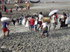La primera ministra de Bangladesh demana la creació de 'zones segures' a Birmània per als rohingyes (MSF)