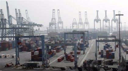 El déficit comercial crece un 56% hasta julio, a pesar de que las exportaciones siguen en máximos
