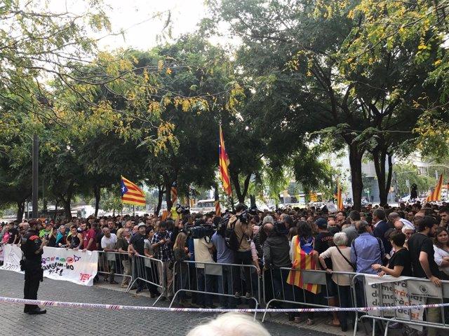 Concentración frente a la Ciudad de la Justicia por las detenciones