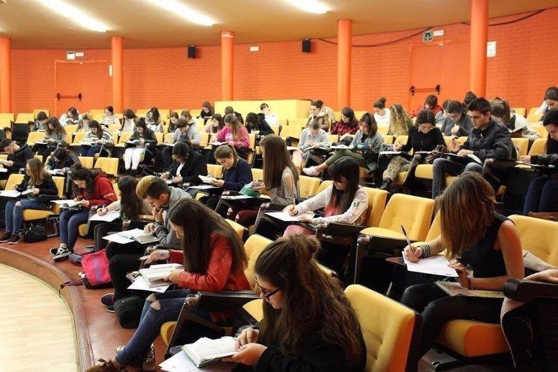 La URJC sigue con profesores sin asignar en varios grados más de dos semanas después del inicio del curso