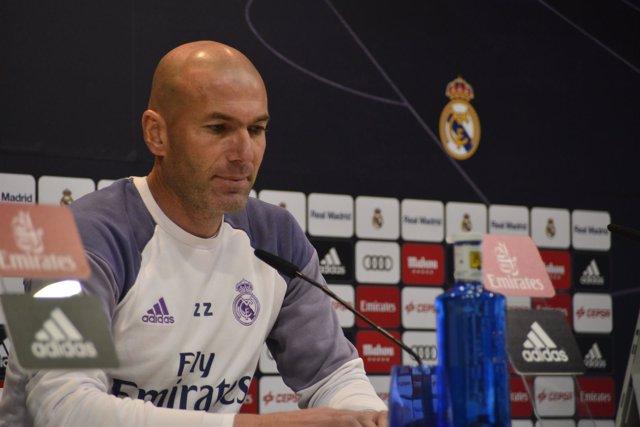 """Zidane: """"Todavía tengo flor"""""""