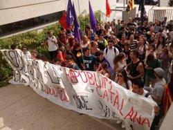 Un centenar d'estudiants es manifesten als campus de la URV de la ciutat de Tarragona (ACN)