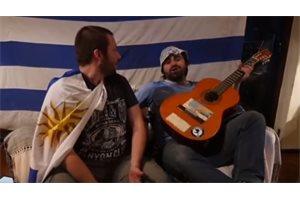 Le proponen a Luis Suárez comer un asado con esta ingeniosa canción