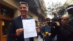 AMP.- 1-O.- Albiol denuncia Puigdemont davant l'Autoritat de Protecció de Dades per usar les seves dades (EUROPA PRESS)