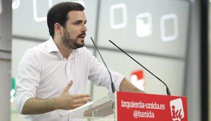 """Alberto Garzón defiende un """"referéndum pactado"""" ante la actitud """"reaccionaria y autoritaria"""" del PP y Ciudadanos"""