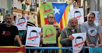 La Policía Nacional impide este sábado la agrupación de manifestantes ante las puertas de la cumbre del PP