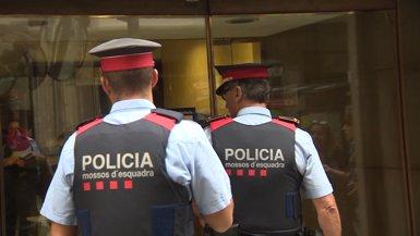 """Els Mossos diuen que treballaran per la seguretat i l'ordre """"al costat del ciutadà"""" (EUROPAPRESS)"""