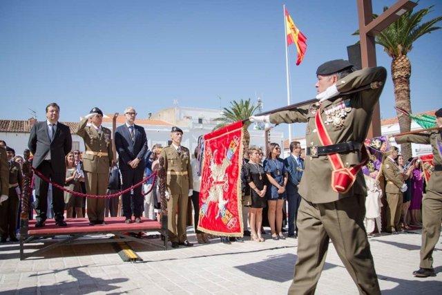 Fernández Vara en la jura de bandera de Herrera del Duque