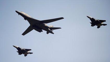 Bombarderos de EEUU vuelan cerca de la costa de Corea del Norte como demostración de fuerza