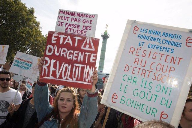 Manifestantes en PArís contra la reforma laboral