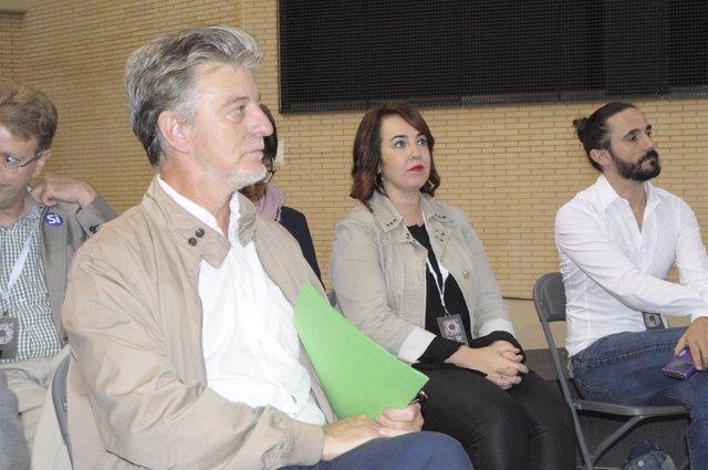 El alcalde de Zaragoza, Pedro Santisteve, en la Asamblea de Unidos Podemos.